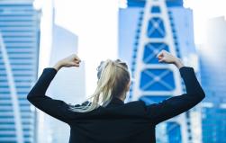 """""""A toda la sociedad conviene que las mujeres ganen poder en los negocios"""""""