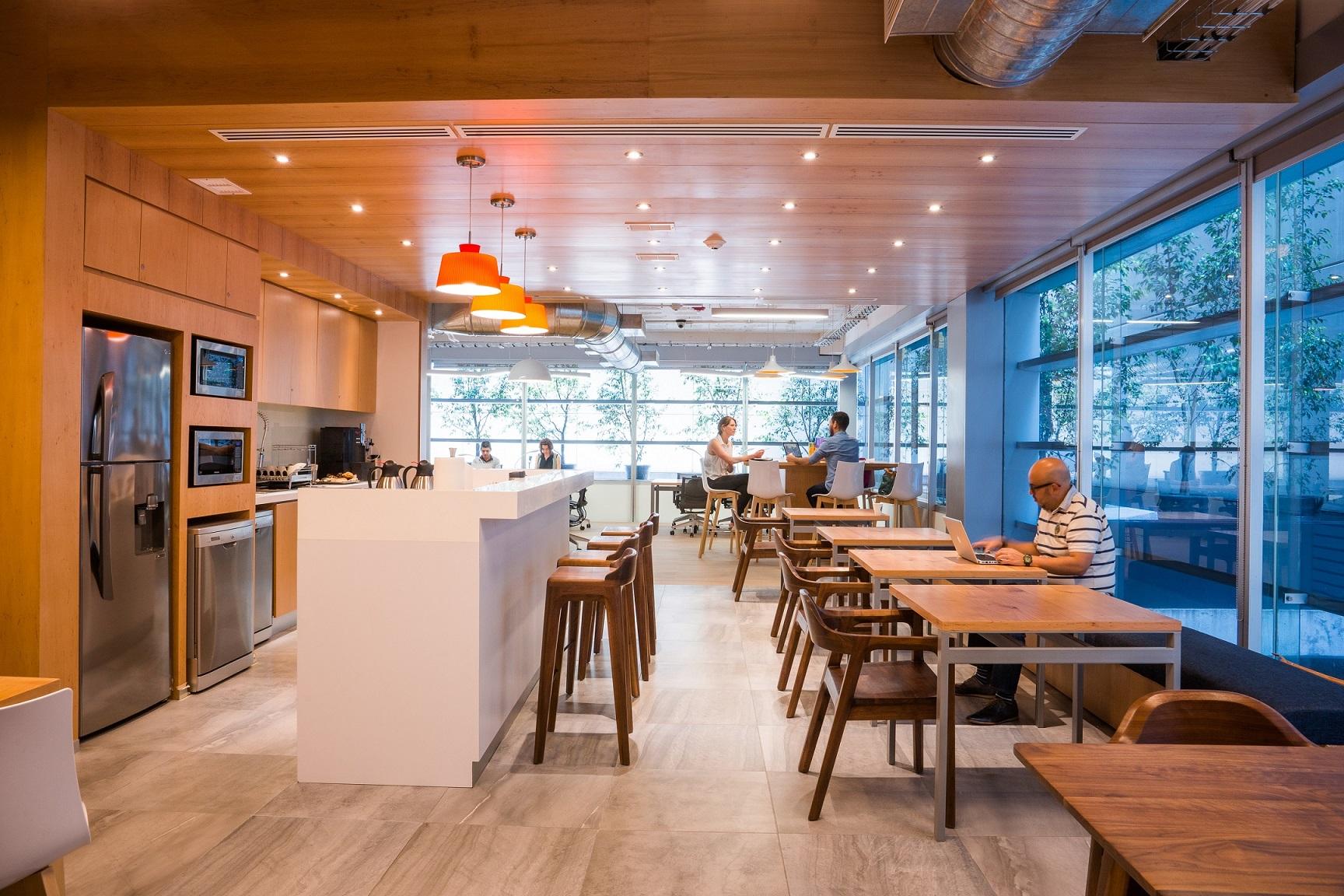 Nuevo espacio de oficinas colaborativas inaugura en lima for Ono oficinas