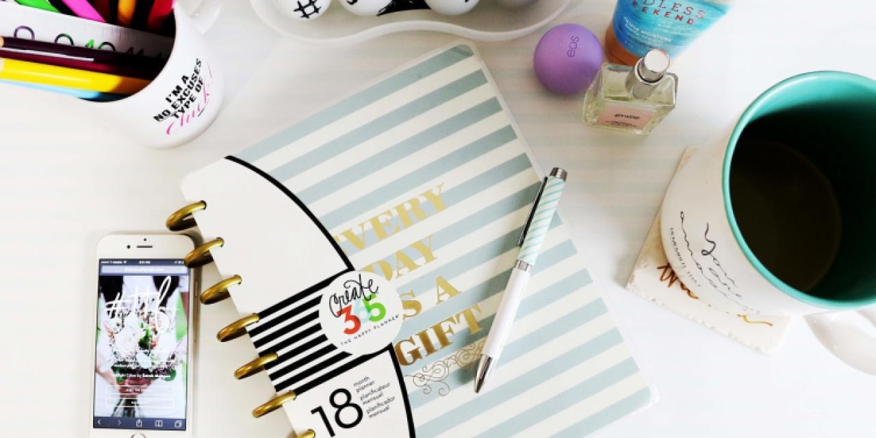 desk-1082044_1280.jpg
