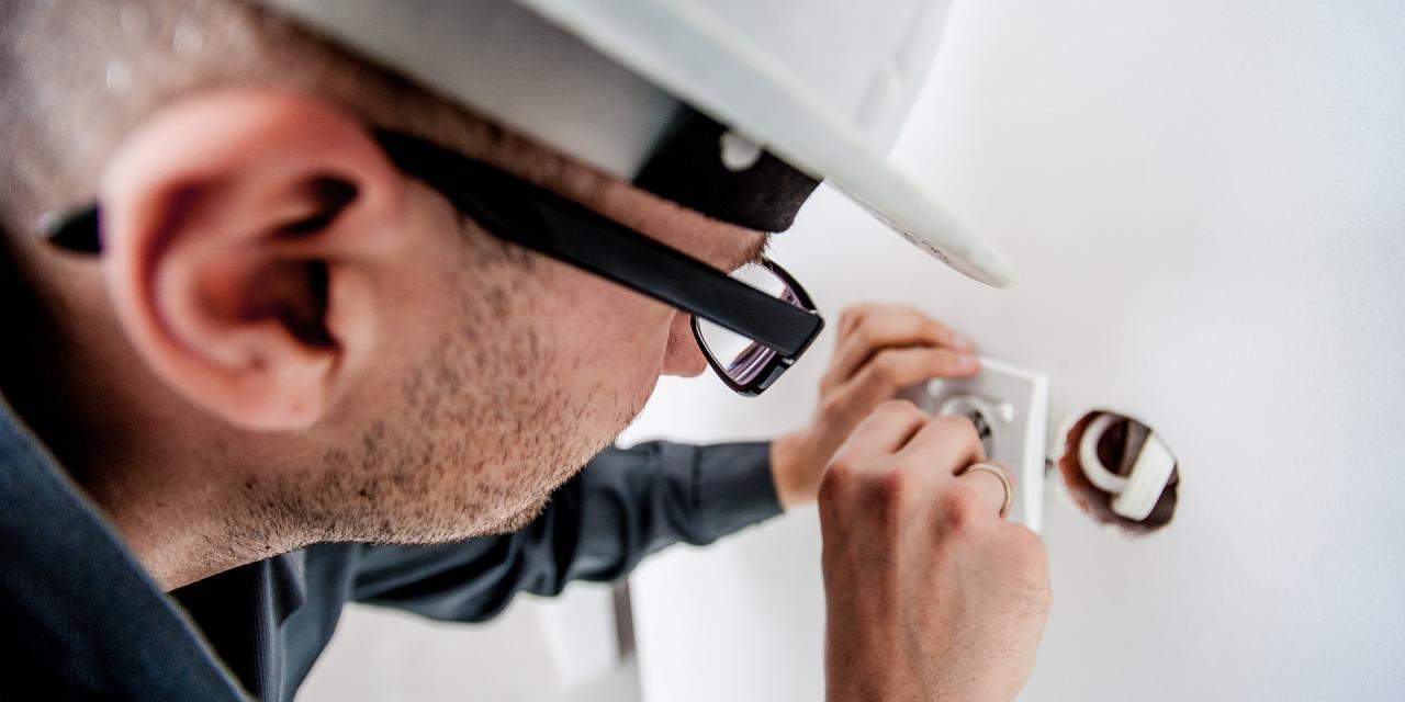 electrician-1080554_1920_2.jpg