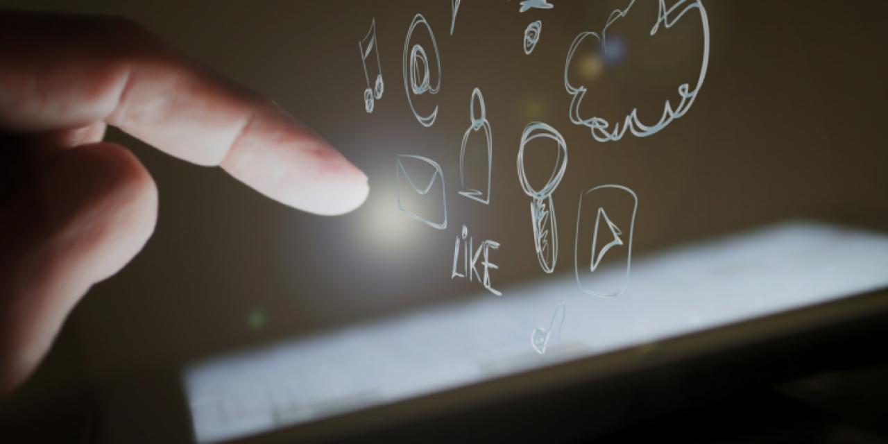 touch-screen-1023966_1280.jpg