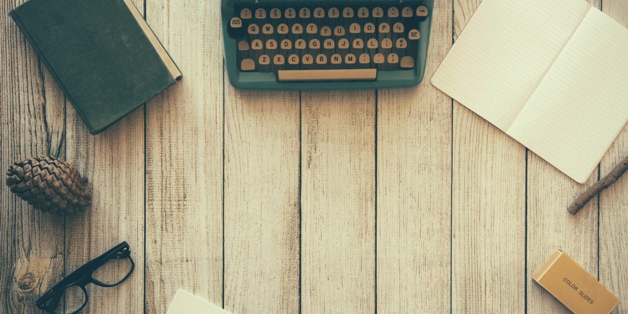 typewriter-801921_1920.jpg