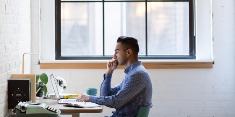 adult-businessman-concentration-374598.jpg