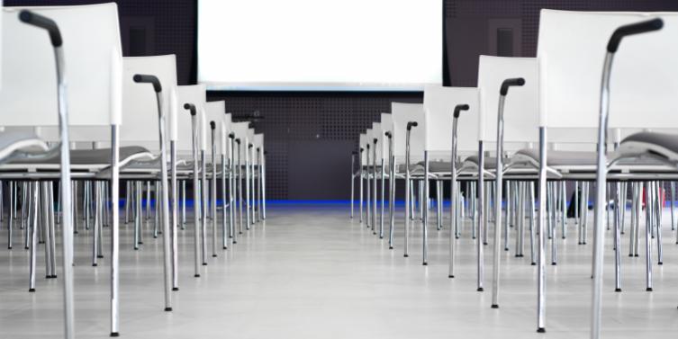 aluminum-board-chairs-691485.jpg