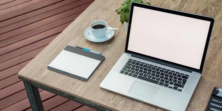 apple-coffee-computer-459653.jpg