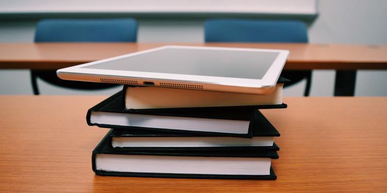 books-classroom-college-289738.jpg