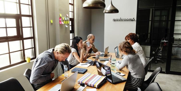 brainstorming-colleagues-communication-1204649_1.jpg
