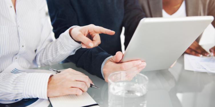 brainstorming-colleagues-conversation-1260308.jpg