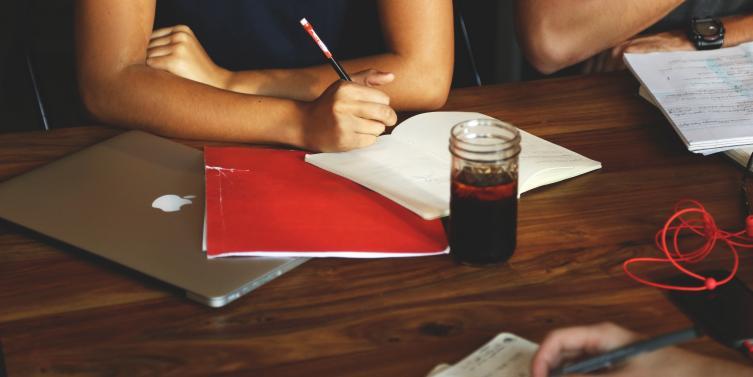 business-coworking-desk-7093.jpg