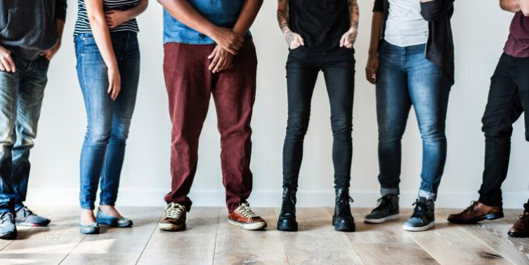 casual-fashion-footwear-1353361.jpg