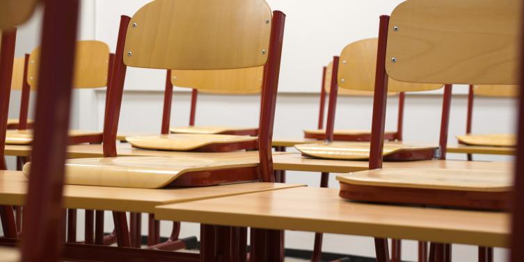 chair-chairs-class-256491.jpg