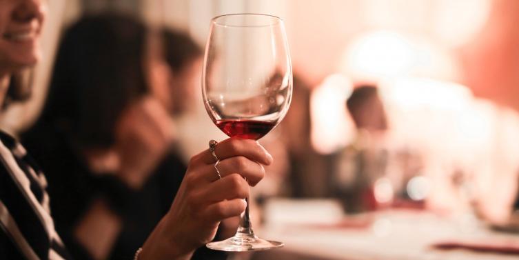 drink-glass-hand-2100030.jpg