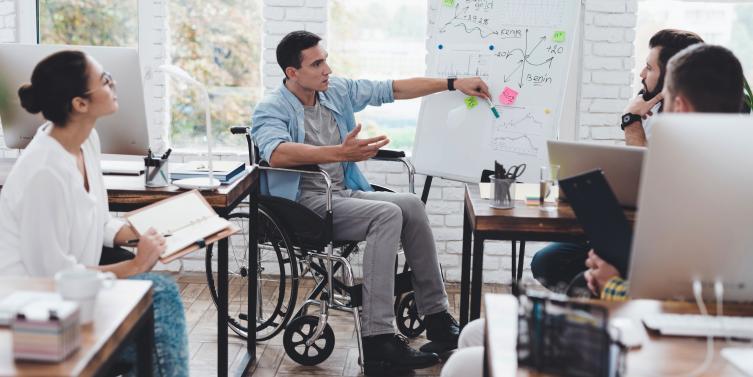 Cómo debe acoger el equipo de trabajo a una persona con discapacidad | MBA & Educación Ejecutiva | MBA & Educación Ejecutiva - AméricaEconomía