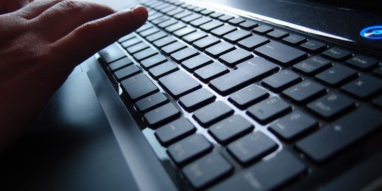 keyboard-943739_1920.jpg