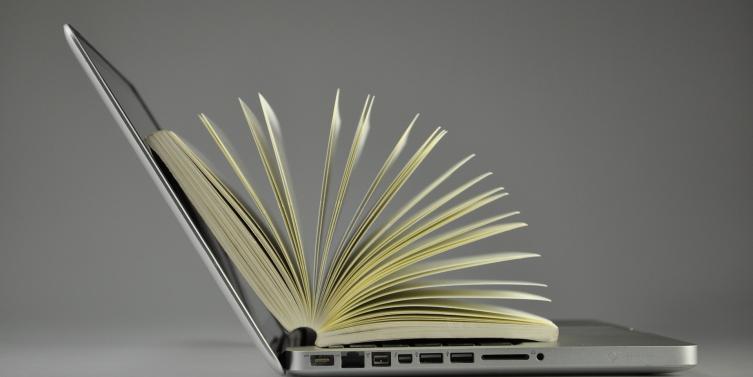 laptop-819285_1920.jpg