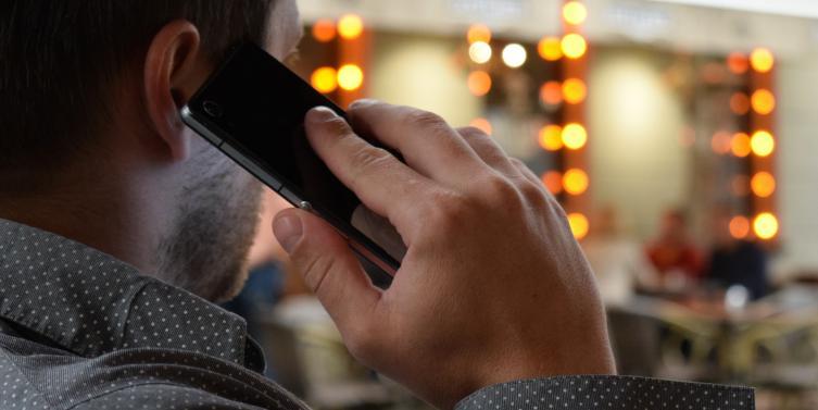 man-talking-on-the-phone-smartphone-city-communication-163135.jpeg