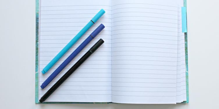 notebook-1803664_1920.jpg