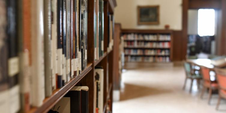 selective-focus-photography-of-bookshelf-with-books-1370296.jpg